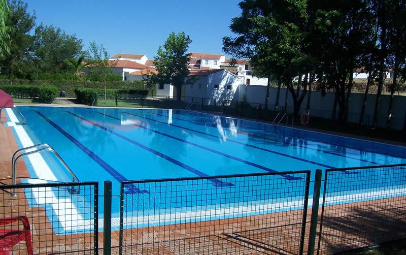 Construccin de piscinas piscinas badajoz piscinas con for Construccion de piscinas climatizadas