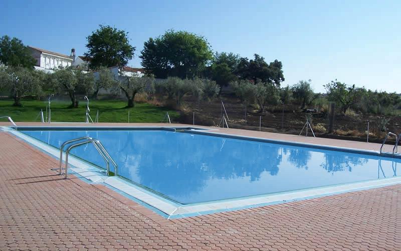 Construccin de piscinas piscinas badajoz piscinas con for Construccion de piscinas merida